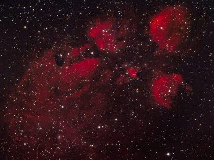 Impronte ed occhi di gatto tra le stelle, nebulosa zampa di gatto