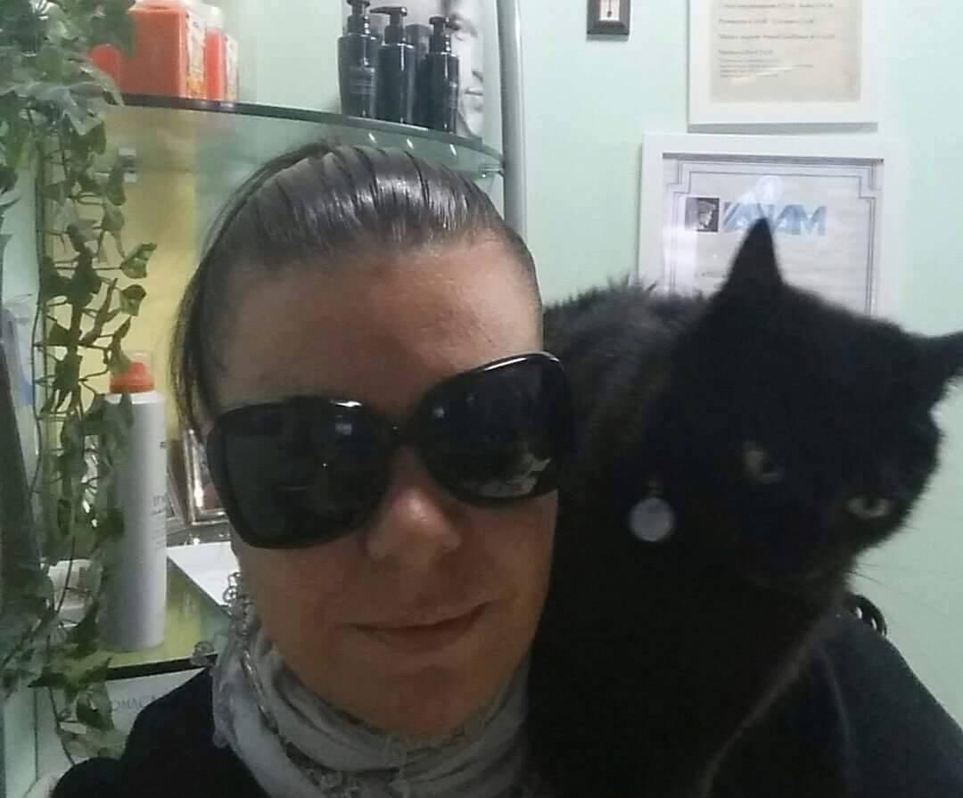Ciuffi gatto parrucchiere e Simona